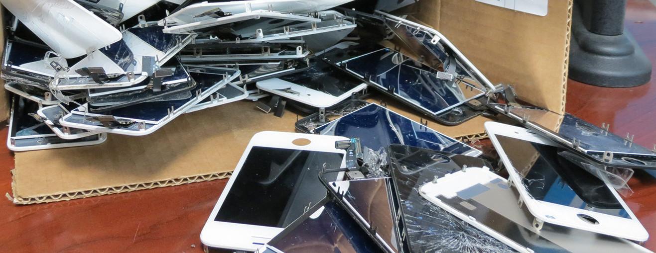 Sammlung Apple iPhone Teile, Touchscreen, Display und jede menge Glas.
